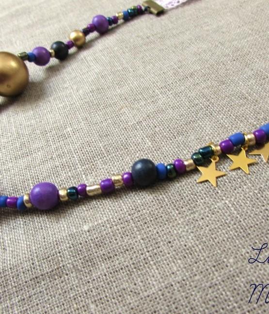 collier little manouche perles en bois dor es pompons violets ruban dentelle mayboheme. Black Bedroom Furniture Sets. Home Design Ideas